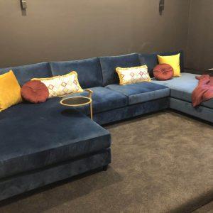 Zeus Mediaroom Lounge